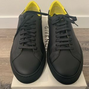 Givenchy 'Urban Knot' Leather Sneakers Size 45/12